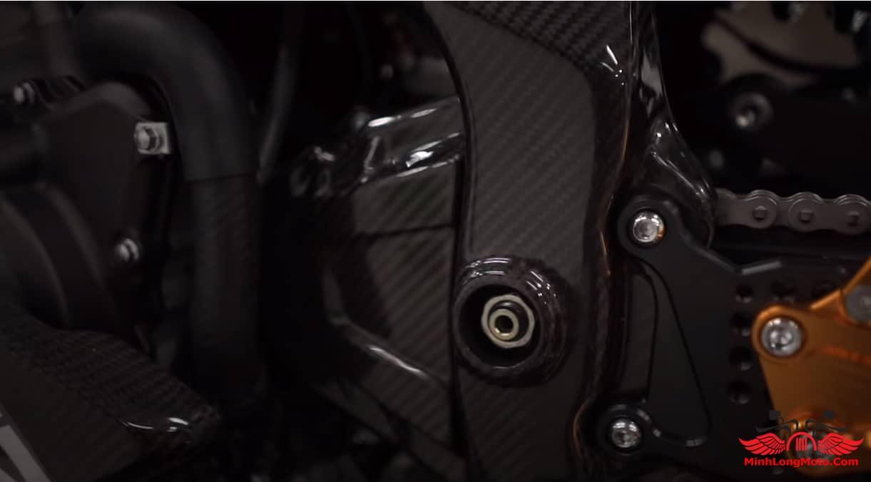 Hệ thống động phủ cacbon của ZX25R