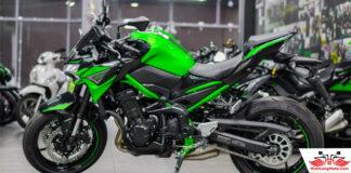 Kawasaki Z900 2021 màu đen xanh metallic