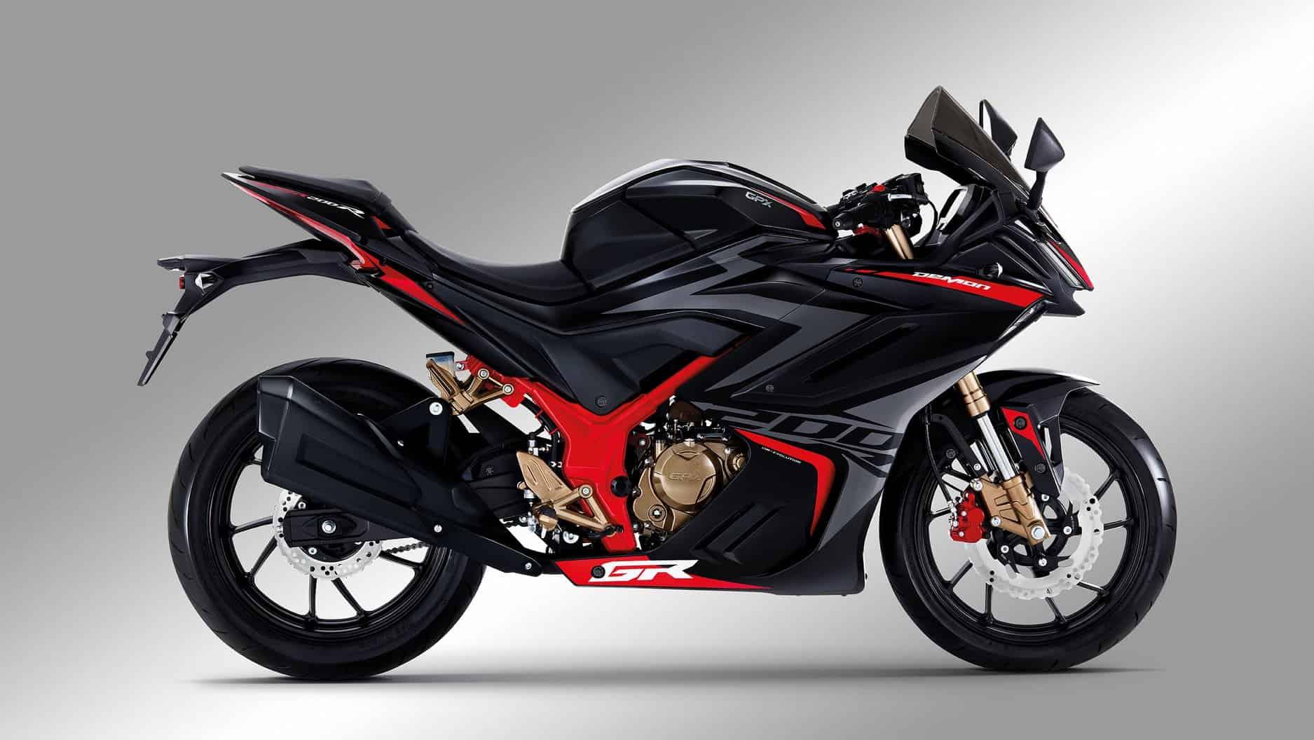 GR200R màu đen