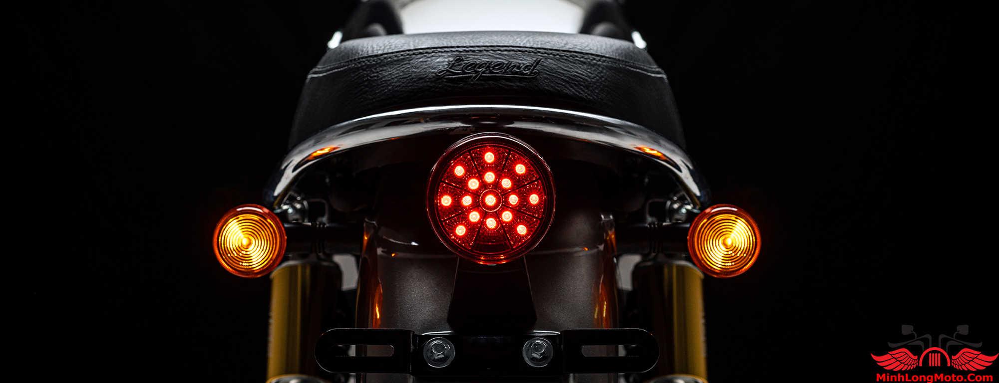 Đèn hậu của GPX Legend 250 Twin