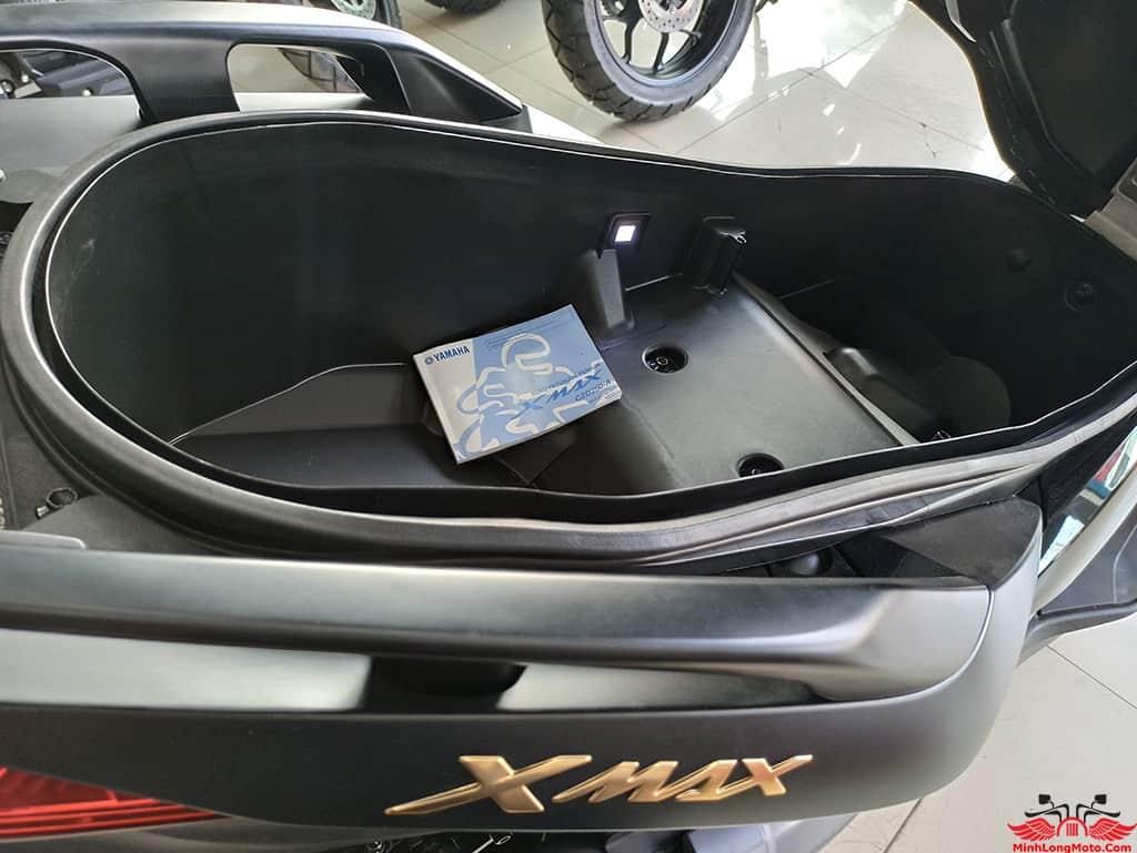 Cốp chứa đồ siêu rộng Xmax